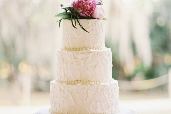 Beaufort Bride : Wedding Cake Inspiration - http://lowcountrybride.com