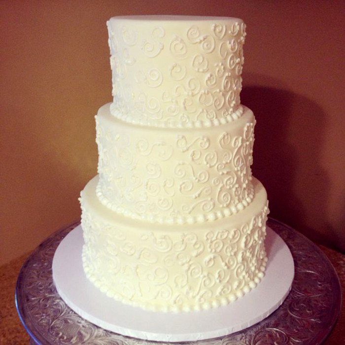 Beaufort Bride - Beautiful Wedding Cakes | Brown Sugar Custom Cakes - http://lowcountrybride.com