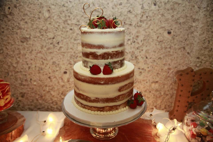 Beaufort Bride - Delicious Confections | Brown Sugar Custom Cakes - http://lowcountrybride.com