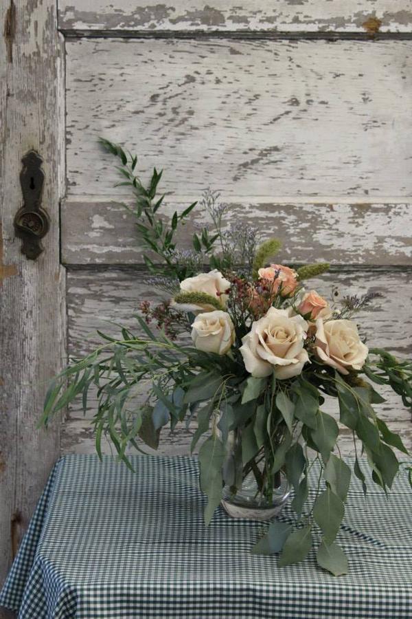 Beaufort Bride - Beautiful Bouquets | Bitty's Flower Shop - http://lowcountrybride.com