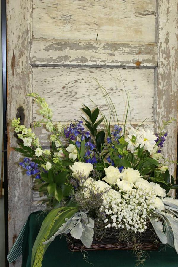 Beaufort Bride - Beautiful Bouquets | Bitty's Flower Shop - http://www.beaufortbride.com