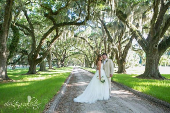 Beaufort Bride - A Lowcountry Fantasy | Barnes Wedding - http://lowcountrybride.com